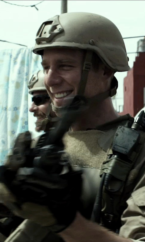 Jake McDorman with Spyder Stretch Fleece Conduct Gloves in American Sniper