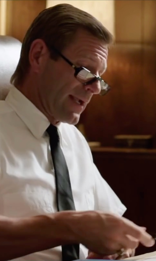 Aaron Eckhart with Polo Reading Glasses in My All American