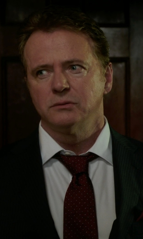 Aidan Quinn with Armani Collezioni Small Medallion-Print Silk Tie in Elementary