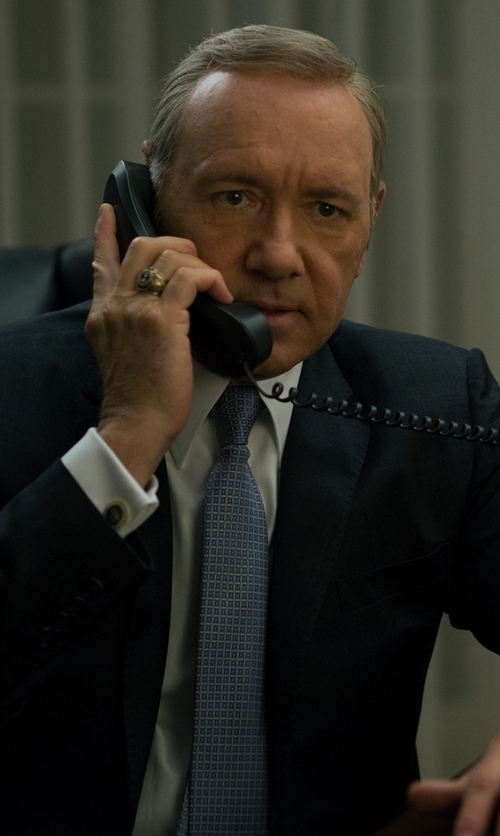 Kevin Spacey with Ermenegildo Zegna Grid Patterned Silk Tie in House of Cards