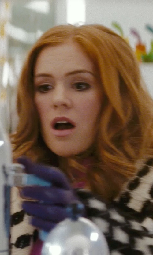 Isla Fisher with Ted Baker Bowra Metal Bow Leather Gloves in Confessions of a Shopaholic