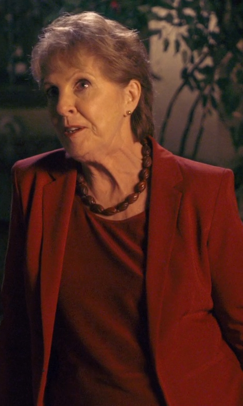 Penelope Wilton with Leon Max Ribbed Crew Neck Sweater in The Second Best Exotic Marigold Hotel