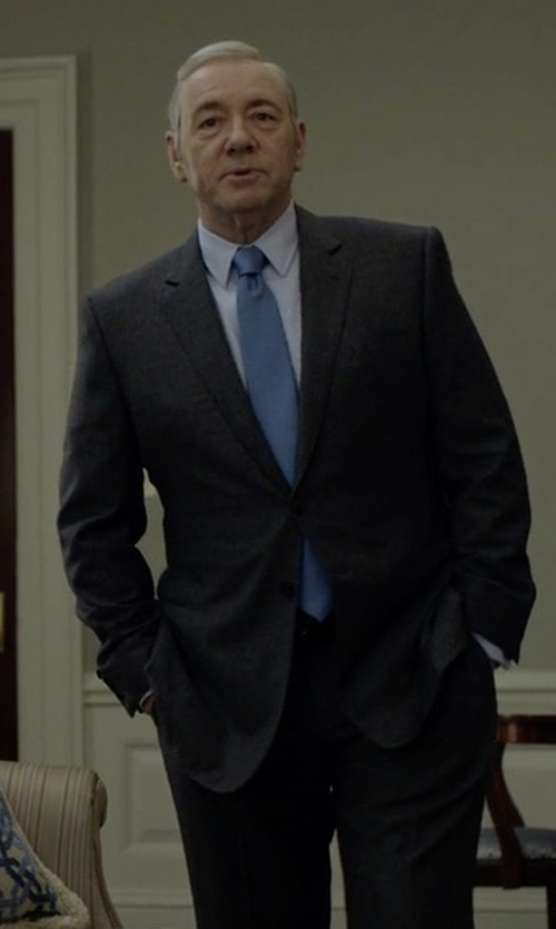 Kevin Spacey with Armani Collezioni G-Line Textured Super 150s Suit in House of Cards
