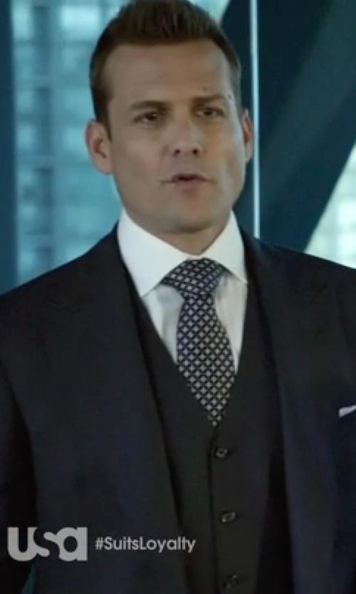 Gabriel Macht with Reiss Peak Lapel Suit in Suits