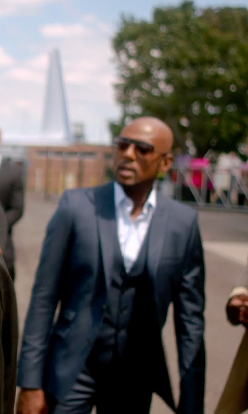 Romany Malco with Ike Behar Solid Dress Shirt in Top Five
