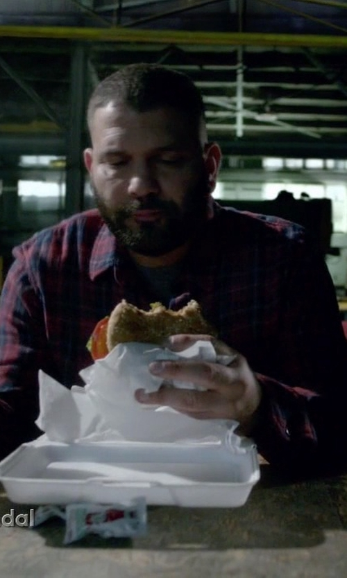 Guillermo Díaz with Aspesi Button-Down Collar Cotton-Flannel Shirt in Scandal