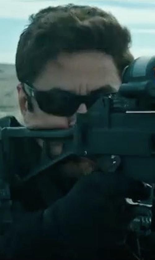 Benicio Del Toro with Mechanix Wear Covert Tactical Gloves in Sicario 2: Soldado