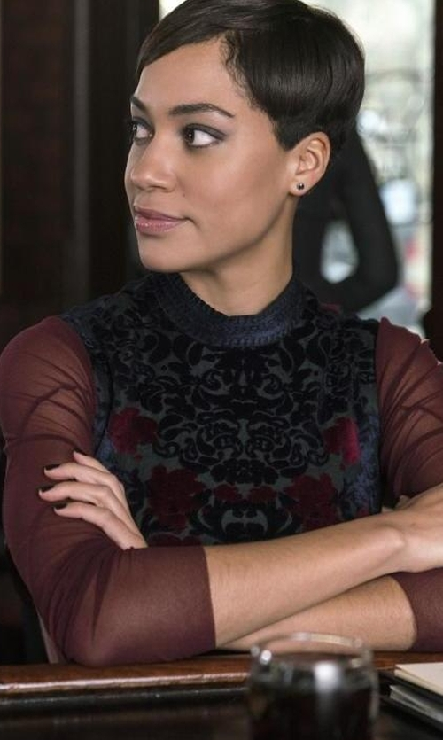 Cush Jumbo with Yigal Azrouël Engineered Velvet Damask Burnout Dress in The Good Fight