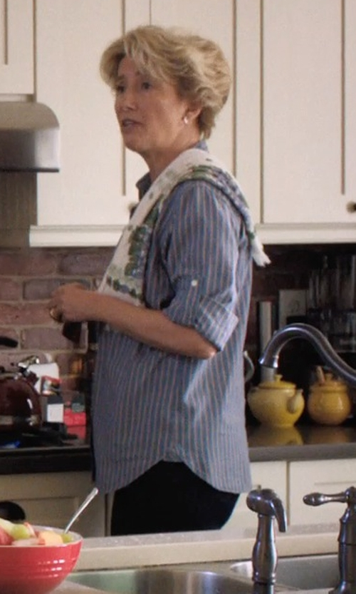 Emma Thompson with Birds & Blooms Printed Hand Towel in A Walk in the Woods