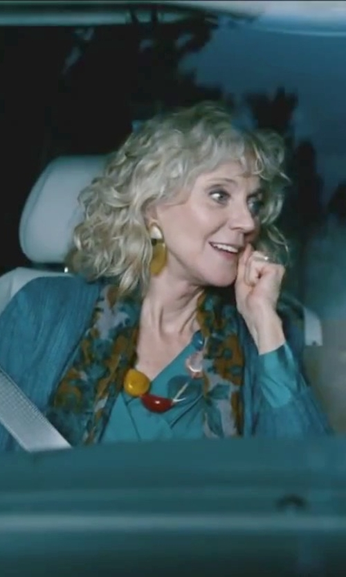 Blythe Danner with Neiman Marcus Blurred Floral-Print Scarf in Little Fockers
