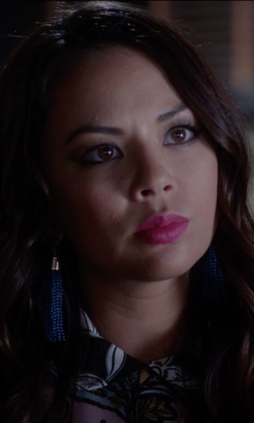 Janel Parrish with Baublebar Gold Acid Fringe Drop Earrings in Pretty Little Liars