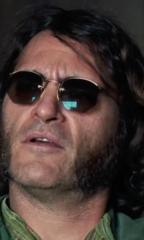 Joaquin Phoenix with Ray-Ban Round Classic Sunglasses in Inherent Vice