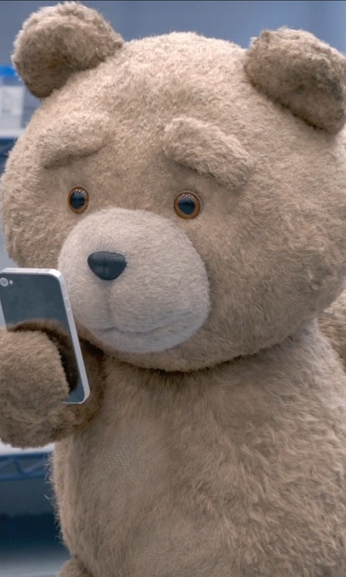 Seth MacFarlane with Apple iPhone 5s in Ted 2