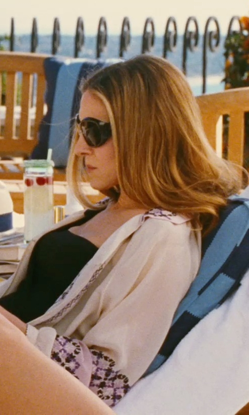 Sarah Jessica Parker with Oliver Peoples Vanadis Sunglasses in Sex and the City