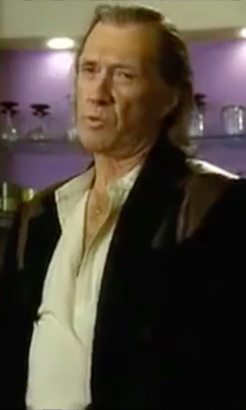David Carradine with John Varvatos Short-Sleeve Henley Shirt in Kill Bill: Vol. 2