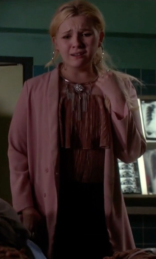 Abigail Breslin with Topshop Slouchy Longline Blazer in Scream Queens