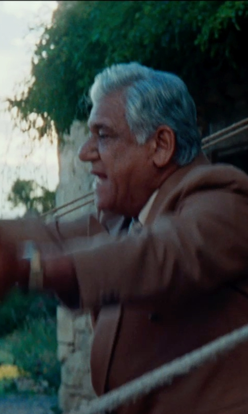 Om Puri with Brooks Brothers Madison Fit Brown Twill Sport Coat in The Hundred-Foot Journey