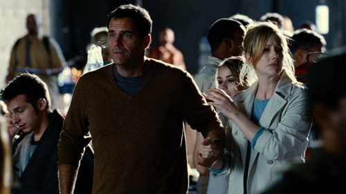 Andy Buckley with Brooks Brothers Saxxon Wool V-Neck Sweater in Jurassic World
