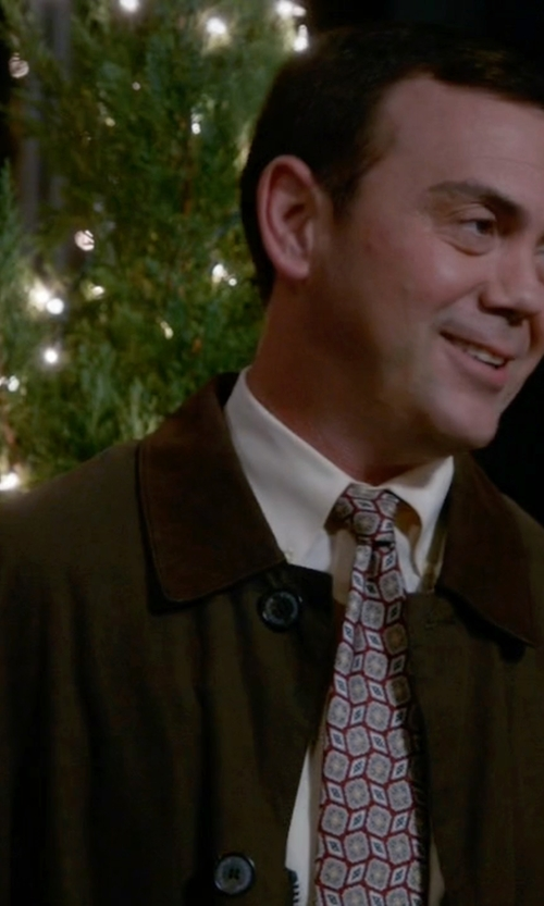 Joe Lo Truglio with Tommy Hilfiger Fletch Trench Coat in Brooklyn Nine-Nine