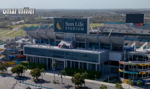 Unknown Actor with Sun Life Stadium Miami Gardens, Florida in Ballers