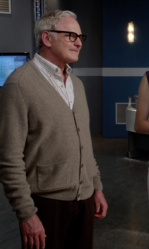 Victor Garber with Johnstons Of Elgin Cashmere Cardigan Sweater in The Flash