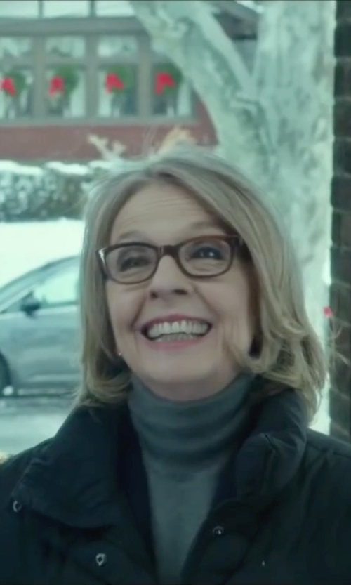 Diane Keaton with Tory Burch Metal & Wood Sunglasses in Love the Coopers