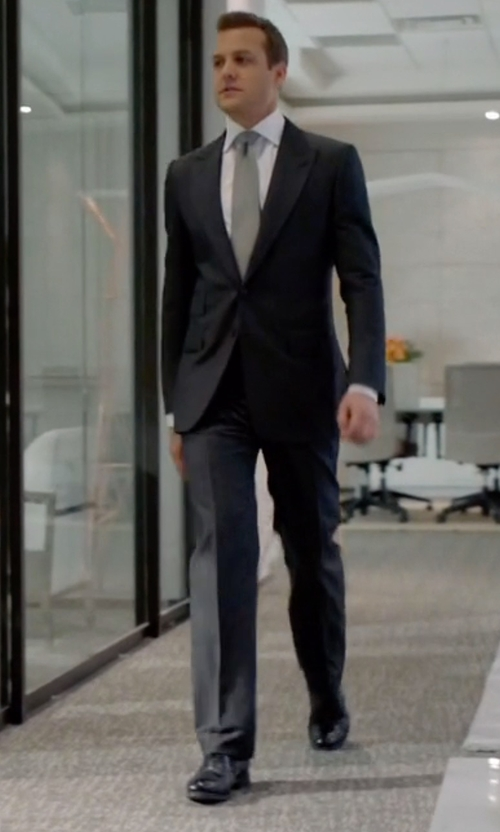 Gabriel Macht with Tom Ford Gianni Cap-Toe Lace-Up Shoes in Suits
