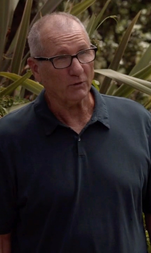 Ed O'Neill with Saks Fifth Avenue Collection Oxford Polo Shirt in Modern Family