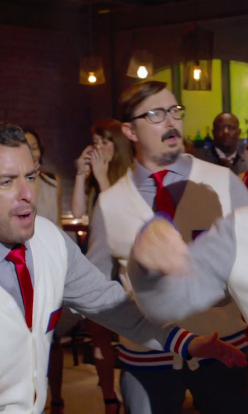 Jason Jones with Paolo Pecora Two-tone Pattern Cardigan in Pitch Perfect 2