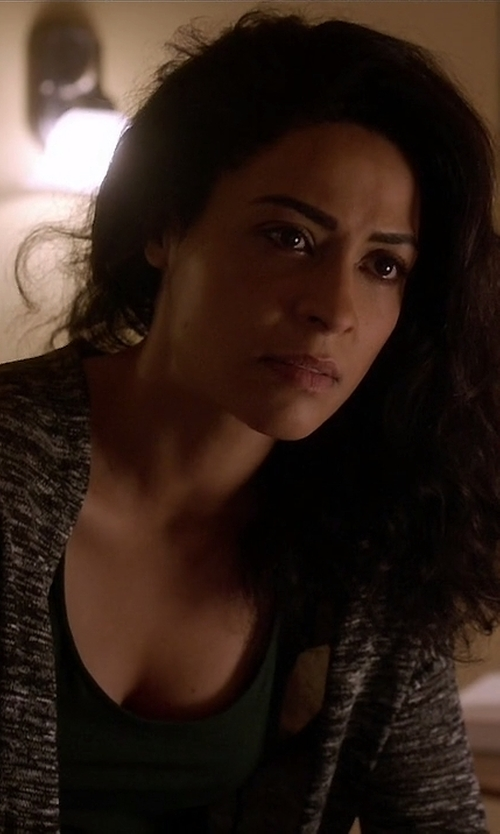 Anna Khaja with Theory Scoop Neck Tank Top in Quantico