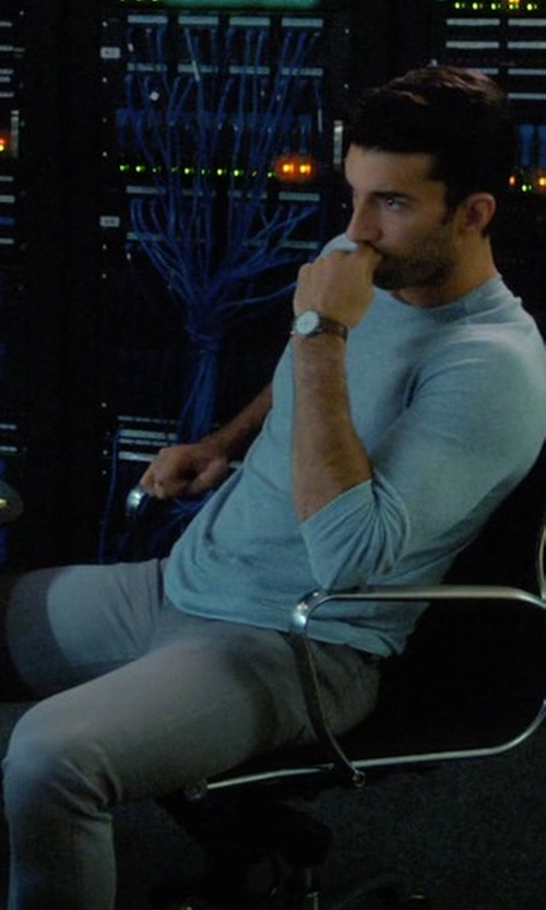 Justin Baldoni with Rag & Bone Slim Skinny Denim Jeans in Jane the Virgin