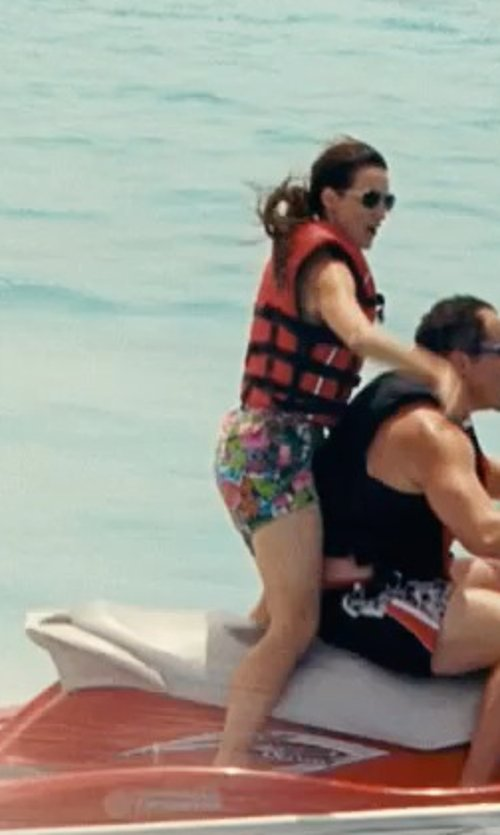 Kristin Davis with Saint Laurent Flat Top Aviator Polarized Sunglasses in Couple's Retreat