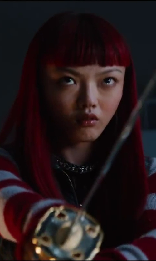 Rila Fukushima with BCBGMAXAZRIA Rope Chain Necklace in The Wolverine