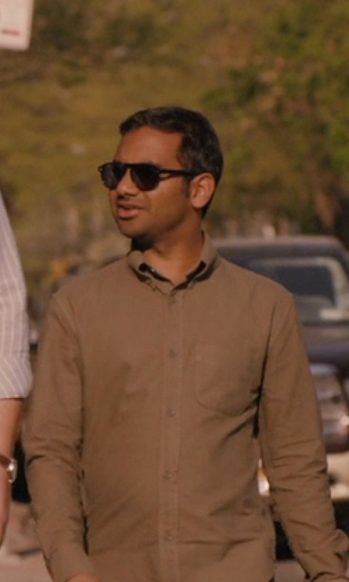 Aziz Ansari with Ray-Ban Original Wayfarer Sunglasses in Master of None