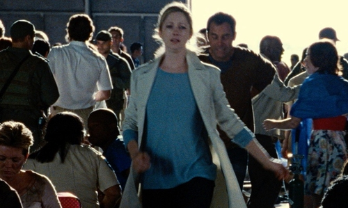 Judy Greer with Gap Women's Light Blue Knit Sweater in Jurassic World