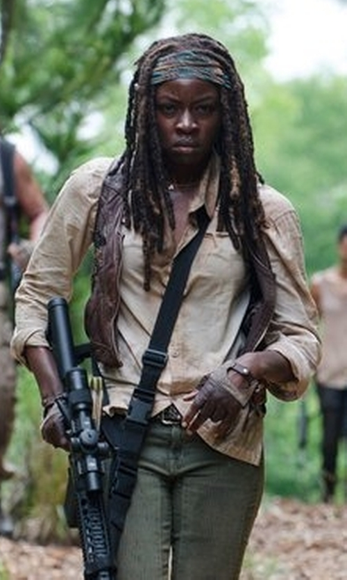 Danai Gurira with Jack Wolfskin Rayleigh Stretch Vent Shirt in The Walking Dead