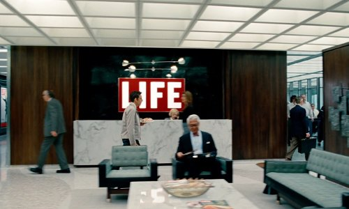 Unknown Actor with Time-Life Building New York, New York City in The Secret Life of Walter Mitty