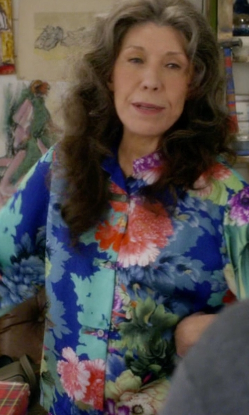 Lily Tomlin with Lauren Ralph Lauren Floral Cotton Shirt in Grace and Frankie