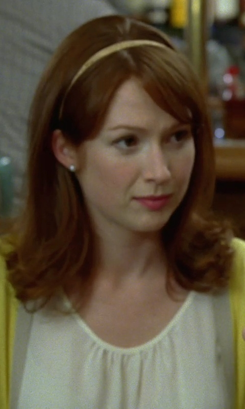 Ellie Kemper with Houston Diamond District Diamond Stud Earrings in Bridesmaids