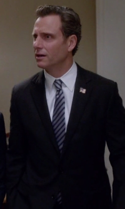 Tony Goldwyn with Brooks Brothers Milano Fit Solid 1818 Suit in Scandal