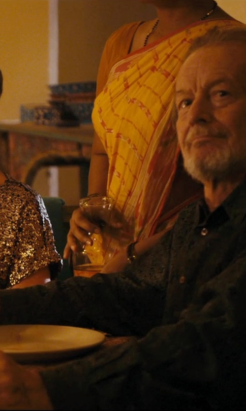 Ronald Pickup with Salvatore Ferragamo Jacquard Gancini Sportshirt in The Second Best Exotic Marigold Hotel