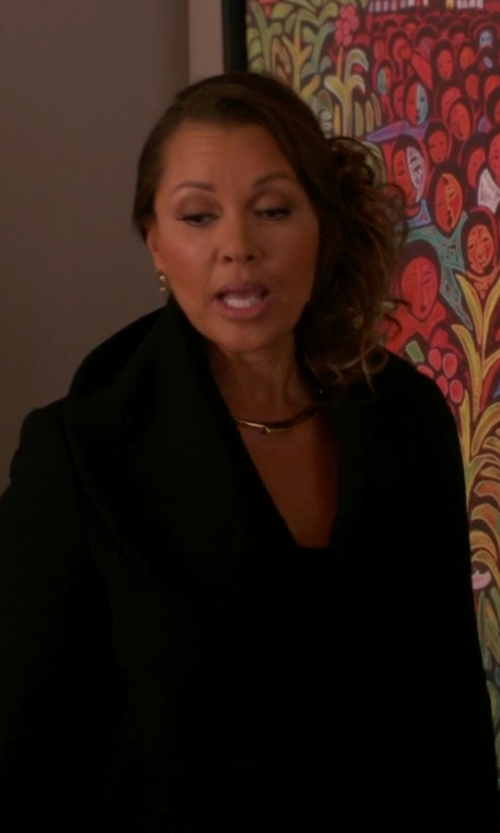 Vanessa Williams with Max Mara Studio Elogio Coat in The Good Wife