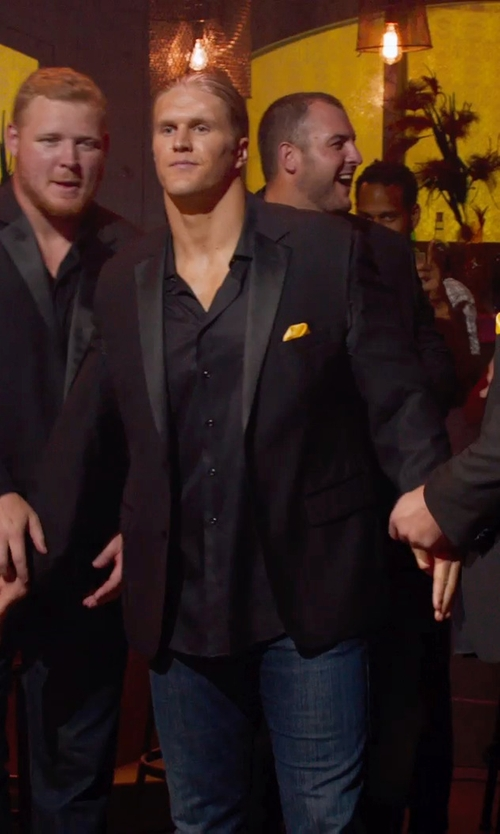 Clay Matthews with Ryan Seacrest Distinction Black Peak Tuxedo Jacket in Pitch Perfect 2