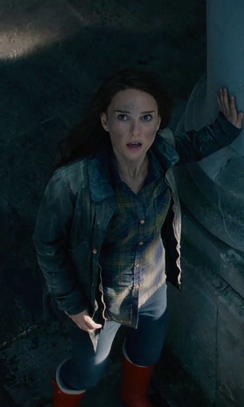 Natalie Portman with People Denim Pants in Thor: The Dark World