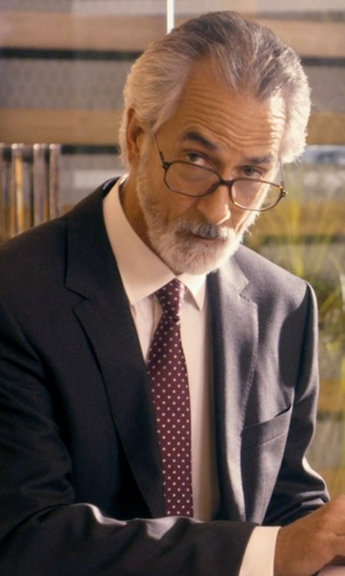 David Strathairn with Ralph Lauren Polka-Dot Silk Satin Tie in The Second Best Exotic Marigold Hotel