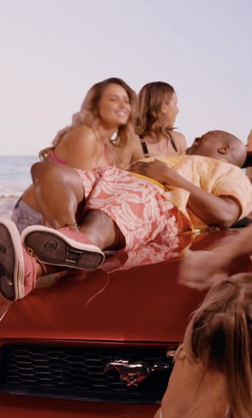 Tituss Burgess with Sperry Top-Sider Striper CVO Casual Shoes in Unbreakable Kimmy Schmidt