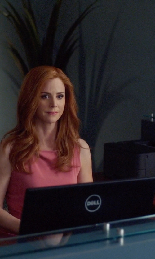 Sarah Rafferty with Dell UltraSharp LED Monitor in Suits