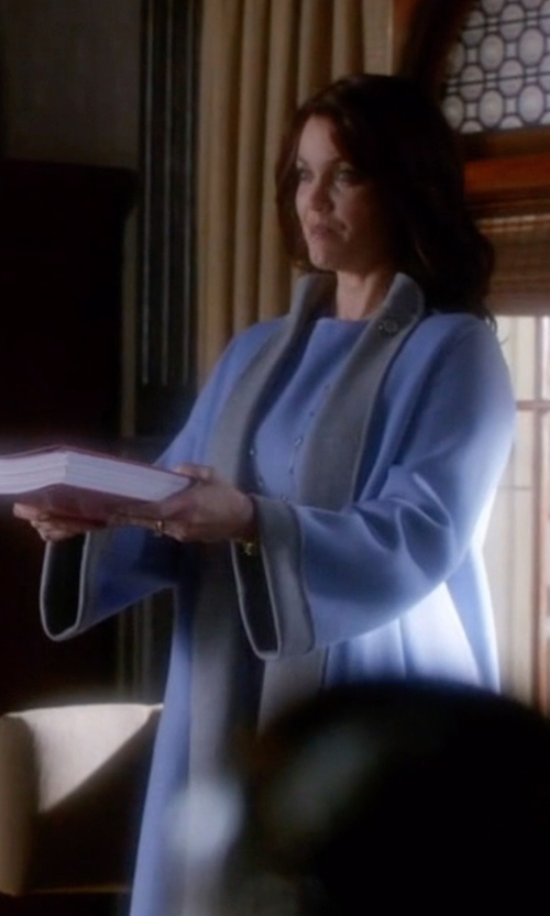 Bellamy Young with Max Mara Scalata Reversible Coat in Scandal
