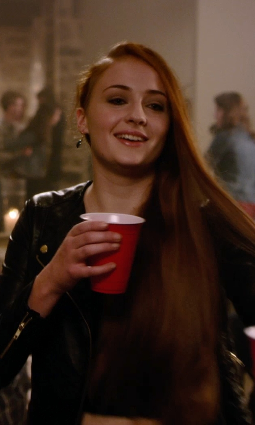 Sophie Turner with Baubella By Sophia & Chloe Paris Onyx Drop Earrings in Barely Lethal