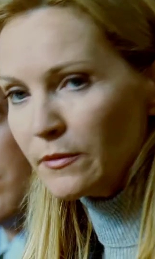 Joan Allen with See By Chloé Turtleneck Lightweight Sweater in The Bourne Ultimatum